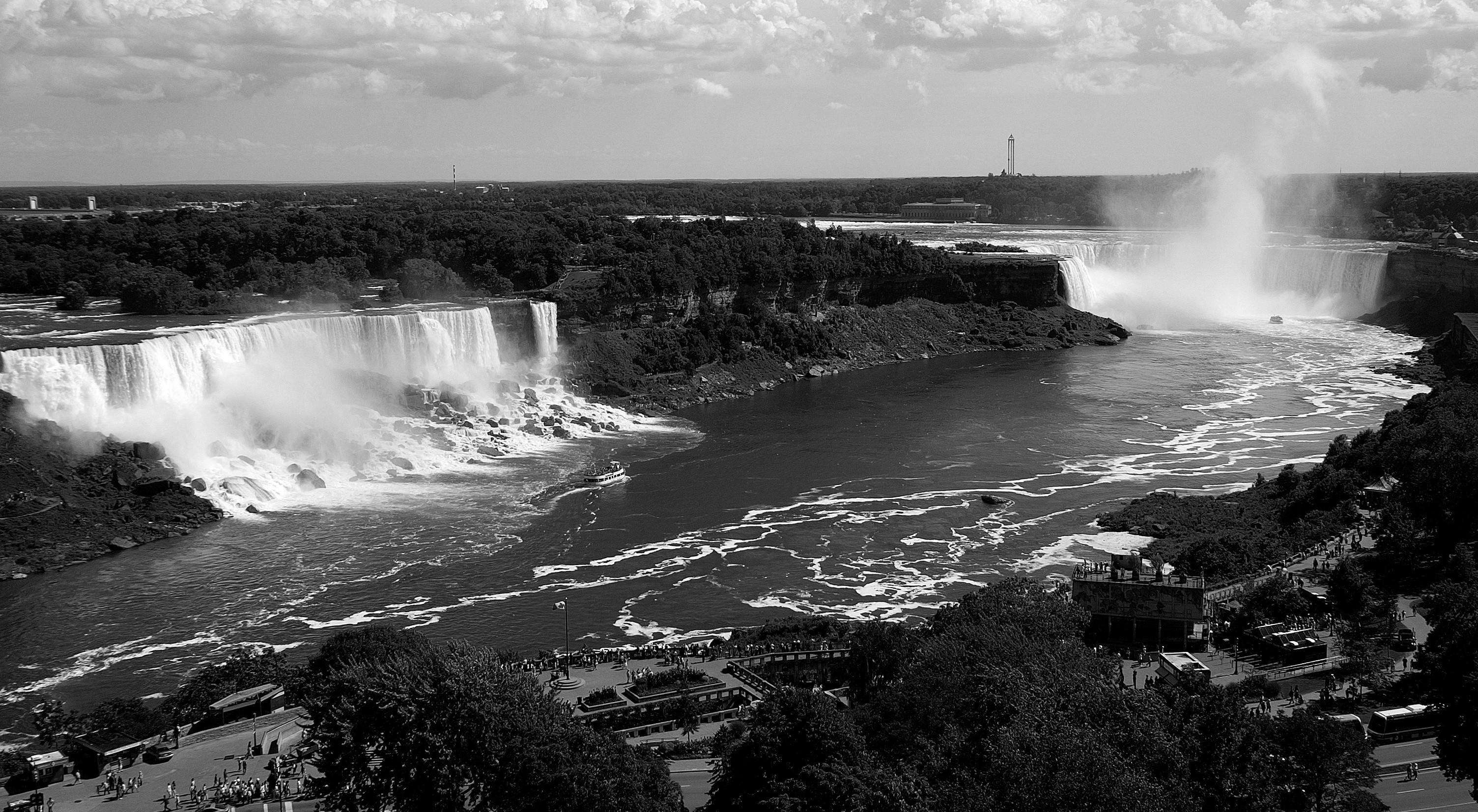 3Falls_NiagaraGREY-e1461594353550
