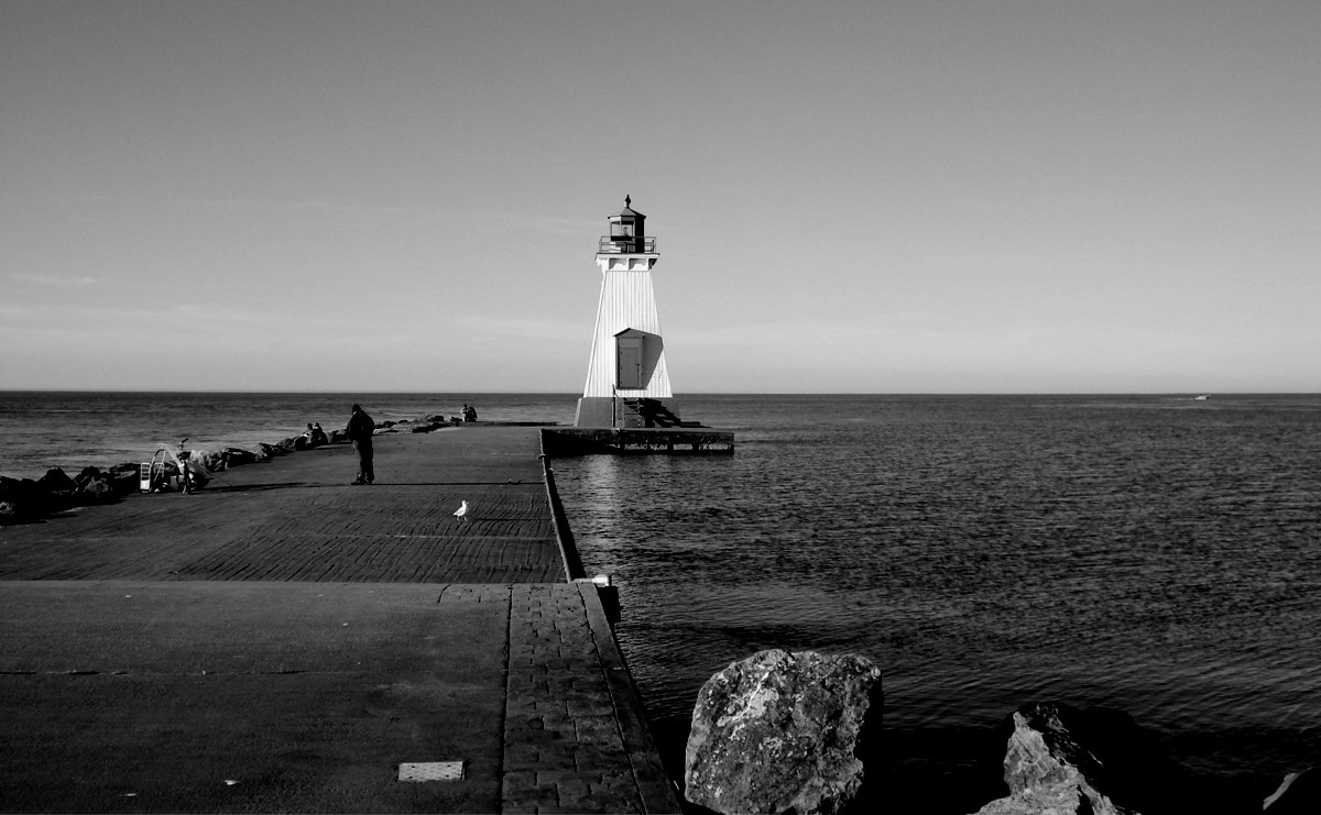 Port_Dalhousie_Lighthouse_Lake_OntarioDARKGREY-e1462384130582